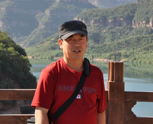 画家王中华